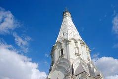 Vieja arquitectura del parque de Kolomenskoye Iglesia de la ascensión fotos de archivo