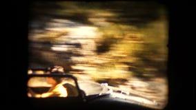 Vieja cantidad de un coche de deportes del automóvil descubierto de TR2 Triumph almacen de video