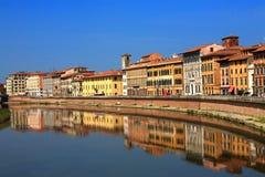 Vieja configuración y río Arno, Pisa Fotos de archivo libres de regalías