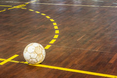 Vieja corte futsal imagen de archivo libre de regalías