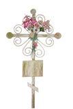 Vieja cruz con las flores Fotografía de archivo