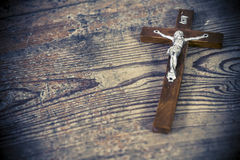 Vieja cruz hermosa con Jesús Imagen de archivo libre de regalías