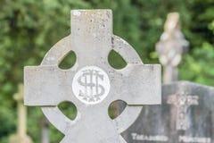 Vieja cruz irlandesa del cementerio Imagen de archivo