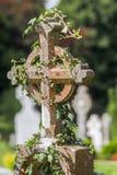 Vieja cruz irlandesa del cementerio Fotografía de archivo libre de regalías