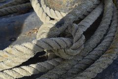 Vieja cuerda en una nave Fotografía de archivo libre de regalías