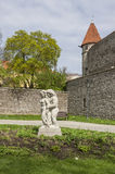 Vieja escultura en la ciudad Imagen de archivo libre de regalías