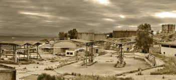 Vieja estación de petróleo fotografía de archivo libre de regalías