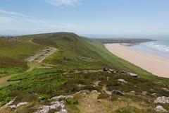 Vieja estación de radar averiada Rhossili abajo de Gower Wales Reino Unido Foto de archivo libre de regalías