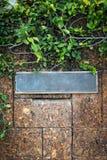 vieja etiqueta de la puerta principal del hierro Imagen de archivo