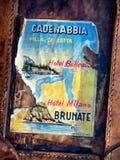 Vieja etiqueta engomada del equipaje Imagenes de archivo
