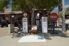 Vieja gasolinera en la almecina fotografía de archivo libre de regalías