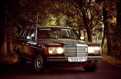 Vieja Mercedes auto clásica w123 Fotografía de archivo libre de regalías