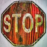 Vieja muestra de madera de la parada Fotos de archivo
