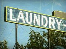Vieja muestra del lavadero del vintage imagen de archivo