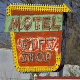 Vieja muestra del motel del Grunge Imagen de archivo libre de regalías
