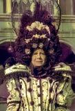 Vieja mujer de Venezian en el carnaval de Venecia Imágenes de archivo libres de regalías