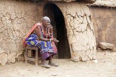 Vieja mujer del Masai Foto de archivo libre de regalías