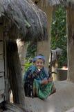 Vieja mujer del tharu, Terai, Nepal Imagen de archivo libre de regalías