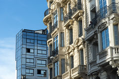 Vieja nueva Niza arquitectura Fotos de archivo