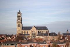 Vieja opinión de la catedral en Brujas Imagen de archivo
