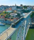 Vieja opinión de la ciudad de Oporto, Portugal Foto de archivo