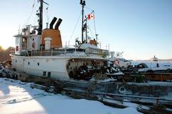 Vieja parte posterior del barco del invierno Imagen de archivo libre de regalías