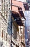 Vieja perspectiva italiana urbana de los edificios Imagenes de archivo