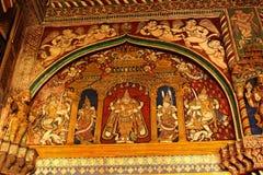 Vieja pintura hermosa que se llama pintura del tanjore en el pasillo dharbar del pasillo del ministerio del palacio del maratha d Imagenes de archivo