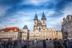 Vieja plaza en Praga Fotos de archivo