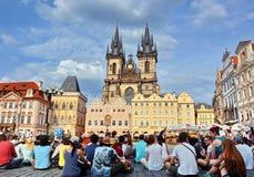 Vieja plaza en Praga imágenes de archivo libres de regalías