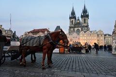 Vieja plaza, Praga Imágenes de archivo libres de regalías