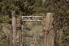 Vieja puerta de jardín Fotografía de archivo libre de regalías