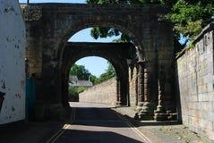 Vieja puerta de la ciudad histórica en Hexham Northumberland foto de archivo libre de regalías