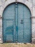 Vieja puerta de madera verde Fotografía de archivo libre de regalías