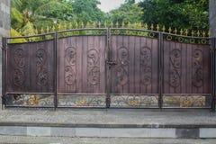Vieja puerta del hierro Imágenes de archivo libres de regalías