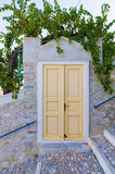 Vieja puerta en Ermoupolis, isla de Syros, Cícladas, Grecia Foto de archivo