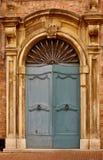 Vieja puerta principal italiana Foto de archivo
