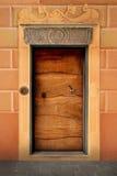 Vieja puerta principal italiana en Camogli Imágenes de archivo libres de regalías