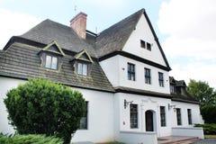 Vieja residencia polaca - casa señorial imagenes de archivo