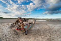 Vieja ruina en la playa fotos de archivo libres de regalías