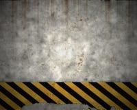 vieja señal de peligro de la pared del peligro Imagen de archivo libre de regalías