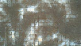 Vieja superficie ennegrecida del mosaico Fotos de archivo libres de regalías