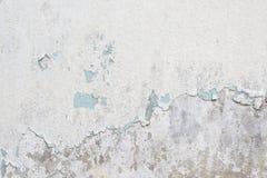 Vieja textura blanca de la pintura que pela apagado el muro de cemento Foto de archivo