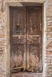 Vieja textura de la puerta Imágenes de archivo libres de regalías