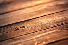 Vieja textura de madera en luz de la puesta del sol Fotos de archivo