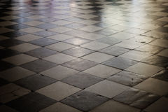 Vieja textura de mármol a cuadros del piso Foto de archivo