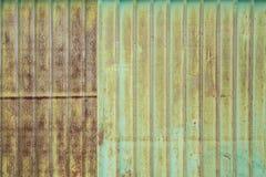 Vieja textura del tejado de la hoja de metal Imagen de archivo
