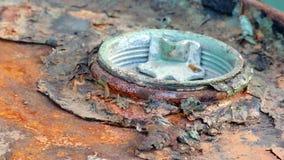 Vieja y oxidada cubierta del tanque Imágenes de archivo libres de regalías