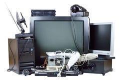 Vieja y usada basura eléctrica del hogar. Imagen de archivo libre de regalías