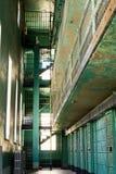 Viejas células de cárcel de la prisión imagen de archivo libre de regalías